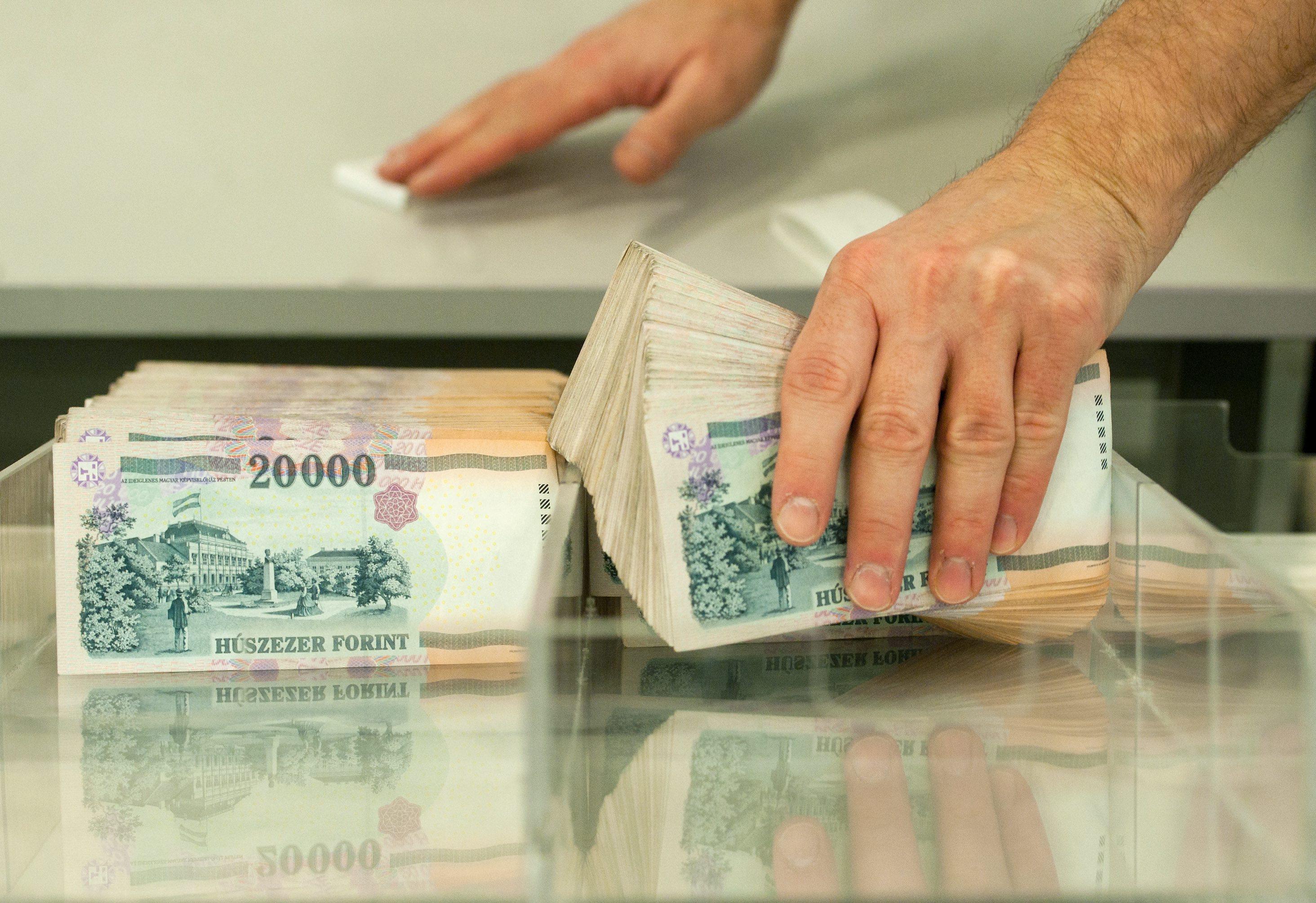 Most akár 56000 Forinttal kevesebb lehet a számlanyitási díja  lakástakaréknál