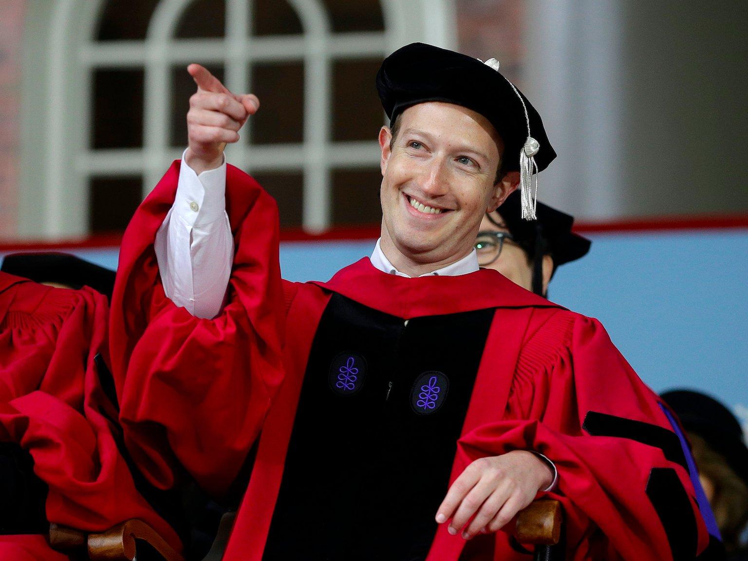 A Facebook alapítója tiszteletbeli diplomát kapott a Harvardon