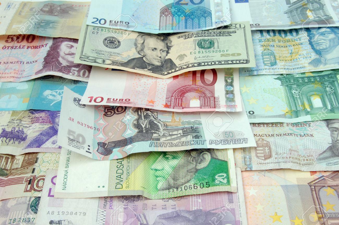 Erősödő forint, gyengülő dollár, de mégis emelkedő dolláralapú részvények