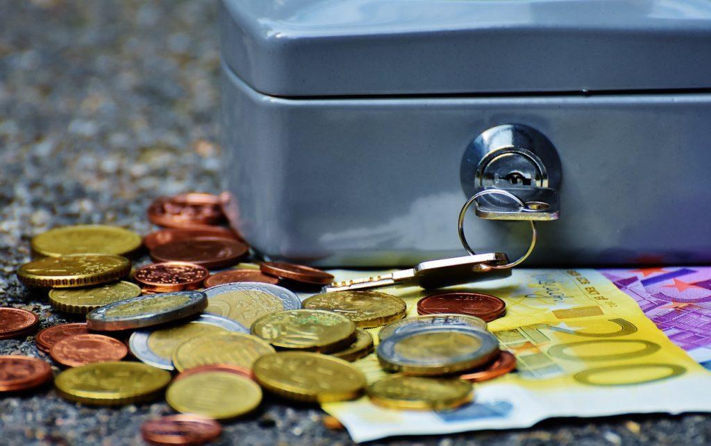 Figyelem – Két hét múlva módosulnak a hitelfelvételre vonatkozó jövedelemszabályok-Most cselekedj