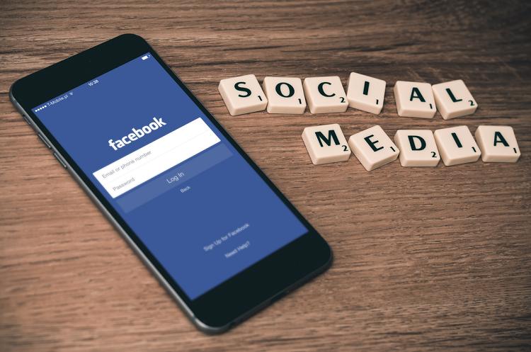 Facebook részvény